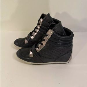 Vince Camuto Woman's Frankies Size 10 Sneakers